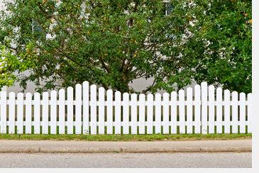 Rechtliche Anforderungen Zum Sichtschutz Zaun Mauer Hecke Pina