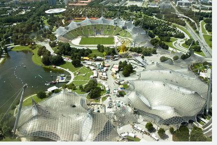 Münchner Olympiastadion Beispiel für textile Architektur - Membranbau