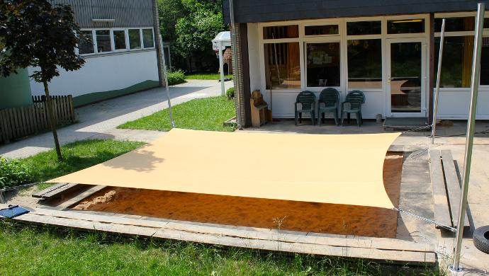 Sonnensegel Sandkastenabdeckung ohne Volant  in gelb über Sandkasten