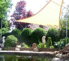 Sonnensegel für eine Teich Beschattung