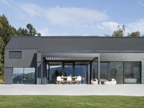 lamellend cher von gibus die exklusive terrassen berdachung pina design. Black Bedroom Furniture Sets. Home Design Ideas