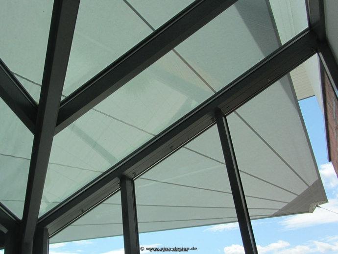 Unteransicht  Harsewinkel - Sonnensegel über Terrasse und Wintergarten