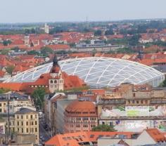 Membranbau Beispiel für textiles Bauen Gondwana Leipzig.jpg