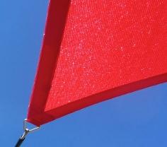 Wasserdurchlässiges Sonnensegel aus HDPE für besten Hitzeschutz