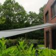 Sonnensegel manuell Münster 2M / 2W II. anthrazites Segel vor einem Haus