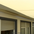 Sonnensegel-Markise elektrisch Lippstadt 2M I. in elfenbein über einen Balkon