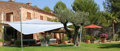Sonnensegel auf Mallorca geplant und gefertigt von Pina Design®